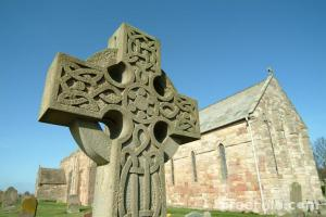 Picture of a Celtic Cross, Lindisfarne, Northumberland (www.freefoto.com)