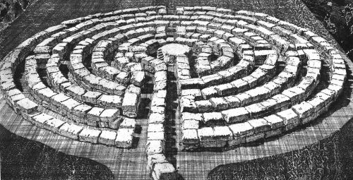 1599px-Labyrinth_28